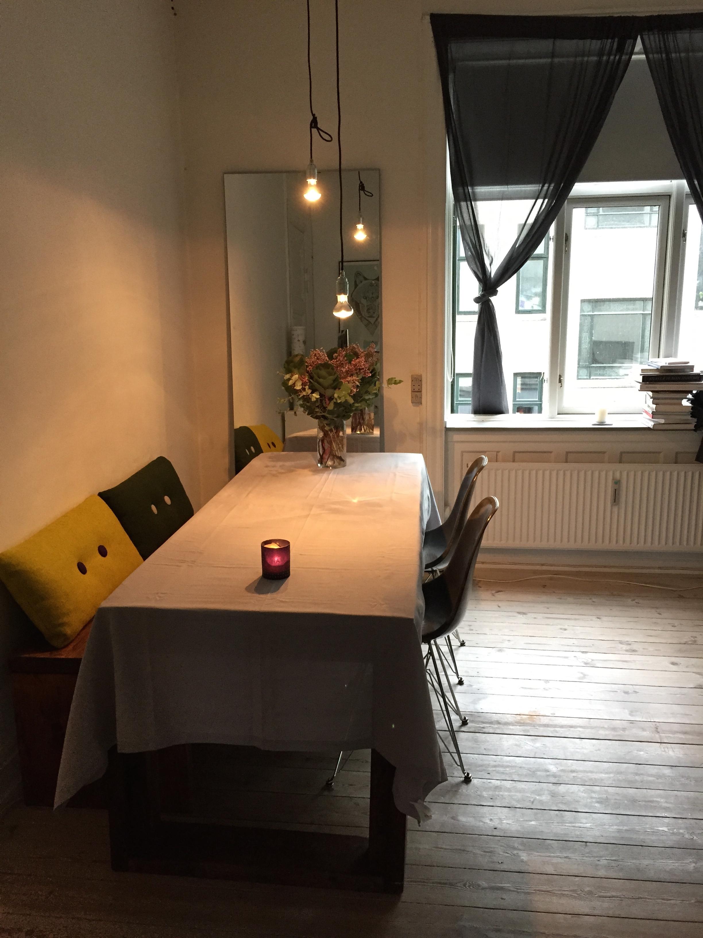BYTTES: Lys, hyggelig og rummelig 2-værelses (3.950/måned inkl. forbrug)